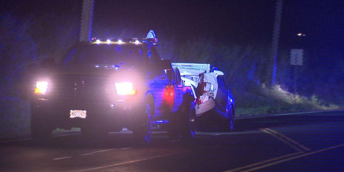 Car slams into utility pole in Wahiawa
