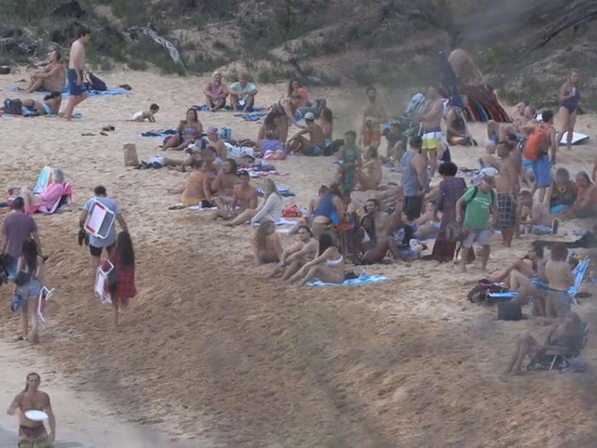 State officers break up large party on Maui beach