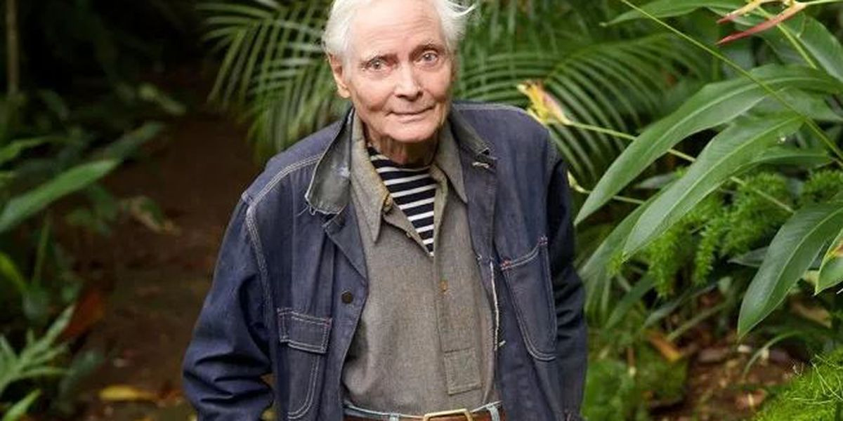 W.S. Merwin, former poet laureate who wrote about war, nature and Hawaii, dies