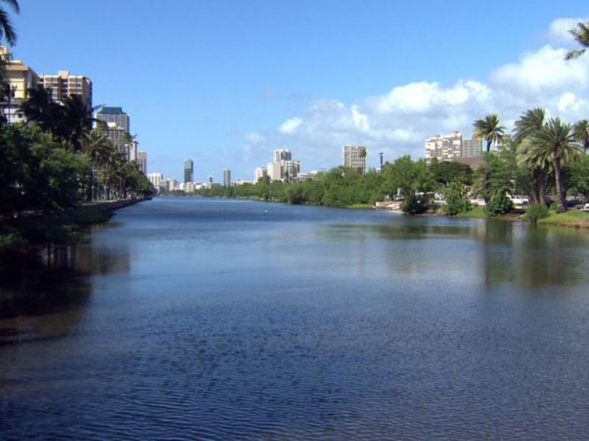 City closes 2 busy Ala Wai parks for the next few months