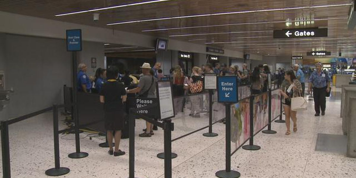 TSA screening officer at Honolulu's airport tests positive for COVID-19