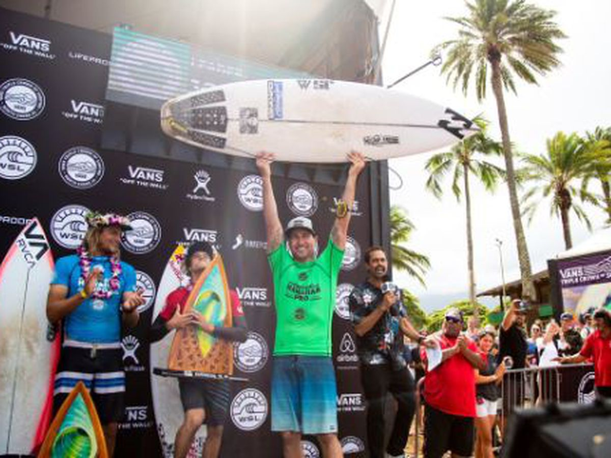 Australia's Parkinson wins Hawaiian Pro, Moniz qualifies for 2019 Championship Tour