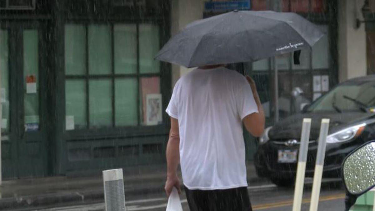 Oahu no longer under flash flood watch, but threat of heavy rain continues