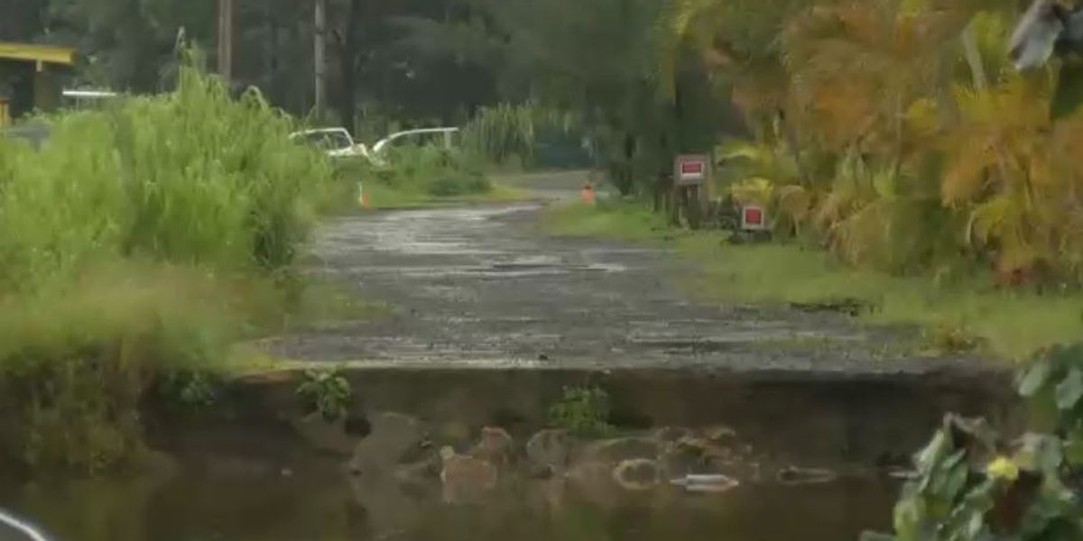 Work to repair a heavily damaged road in Hanalei begins 9 months after flood