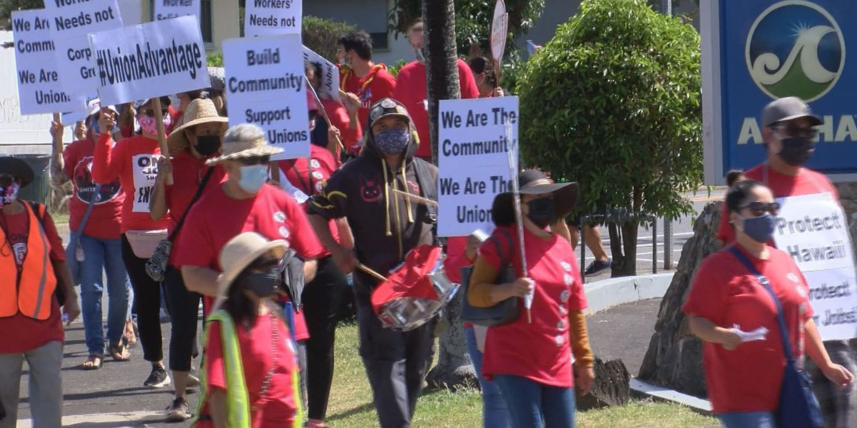 At Workers Day rally, hundreds call on state to help employees laid off during COVID