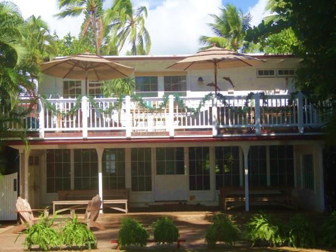Take a tour of Steve McGarrett's beachfront 'Hawaii Five-0' home