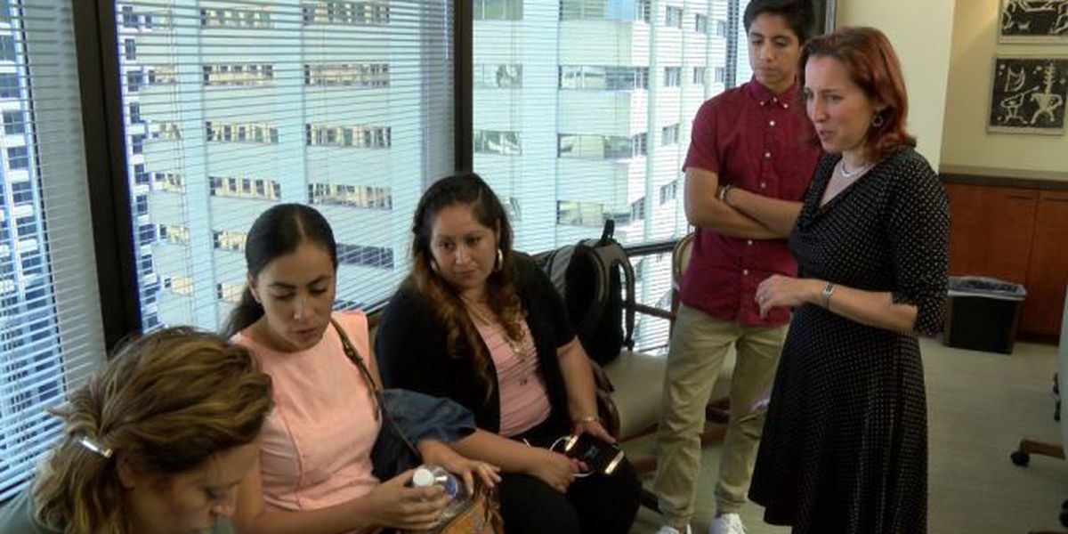 Immigration officials give brief reprieve for Maui woman facing deportation to Mexico