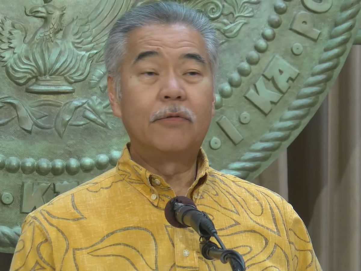 Governor announces plan to delay reopening of tourism for at least a month