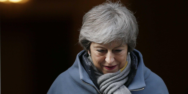 UK lawmakers vote to seek delay of EU departure