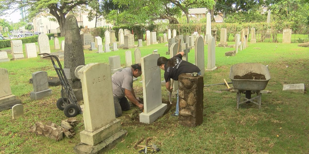 Crews repair 2 vandalized gravestones at Hawaiian Mission Houses' cemetery