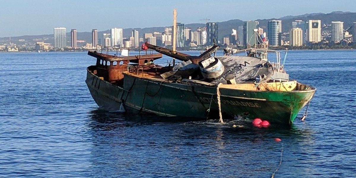 2 months after it grounded off Waikiki, big fishing boat finally removed