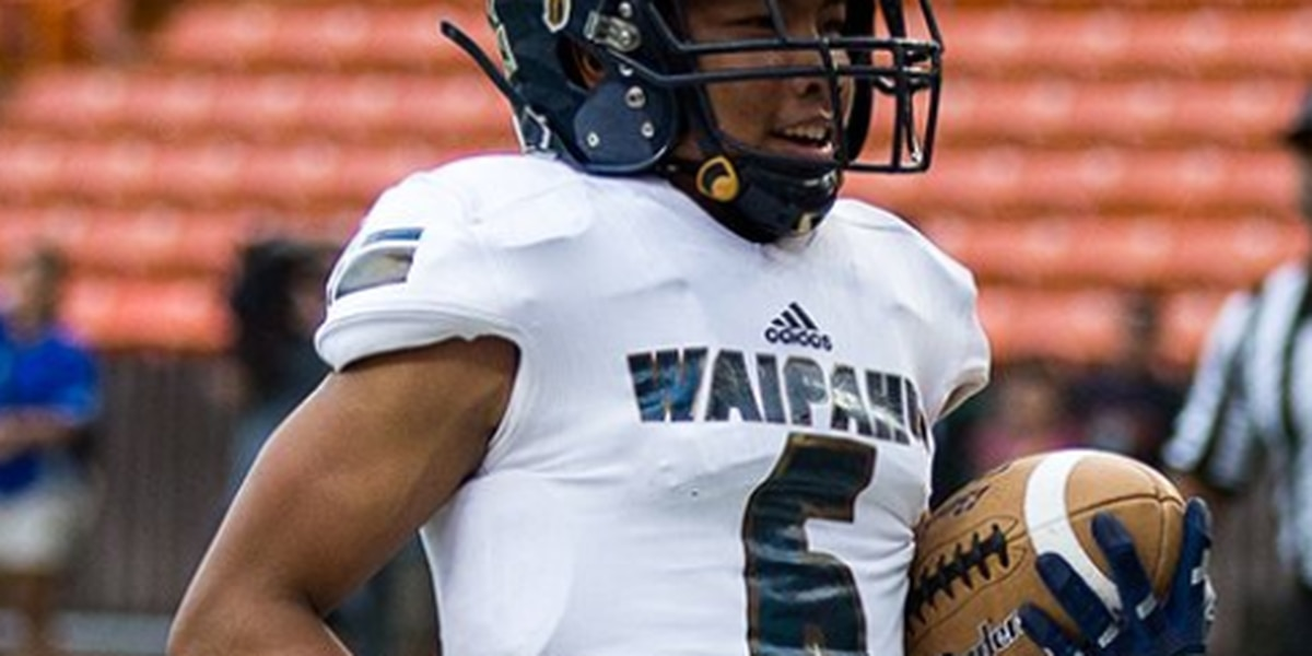 Waipahu upsets Hilo for first D-1 state title, 42-22