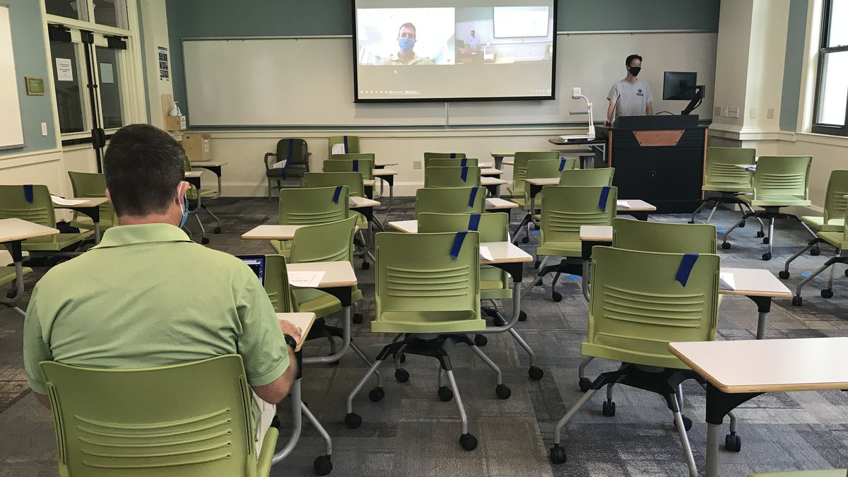 With retrofitted classrooms, UH moves toward blended in-person, online learning