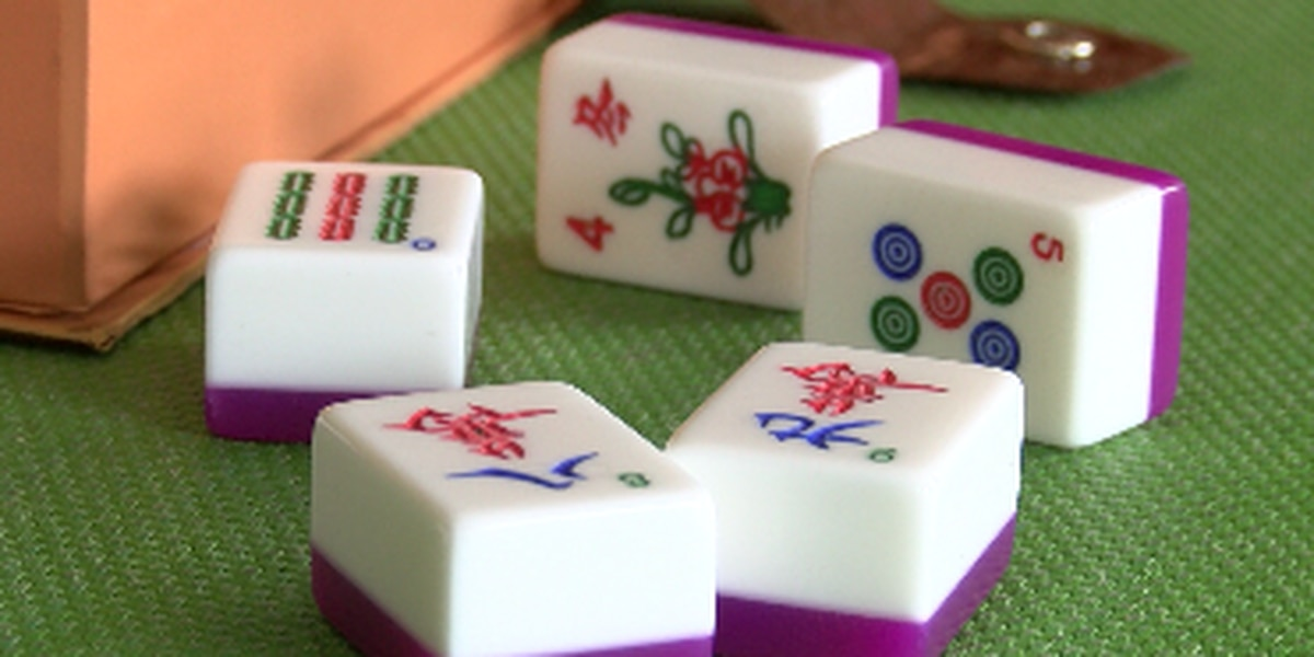 In latest gun crime on Oahu, group playing mahjong robbed by armed suspect