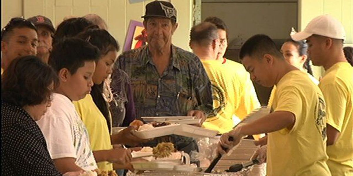 Naval personnel provide Thanksgiving meals to less fortunate