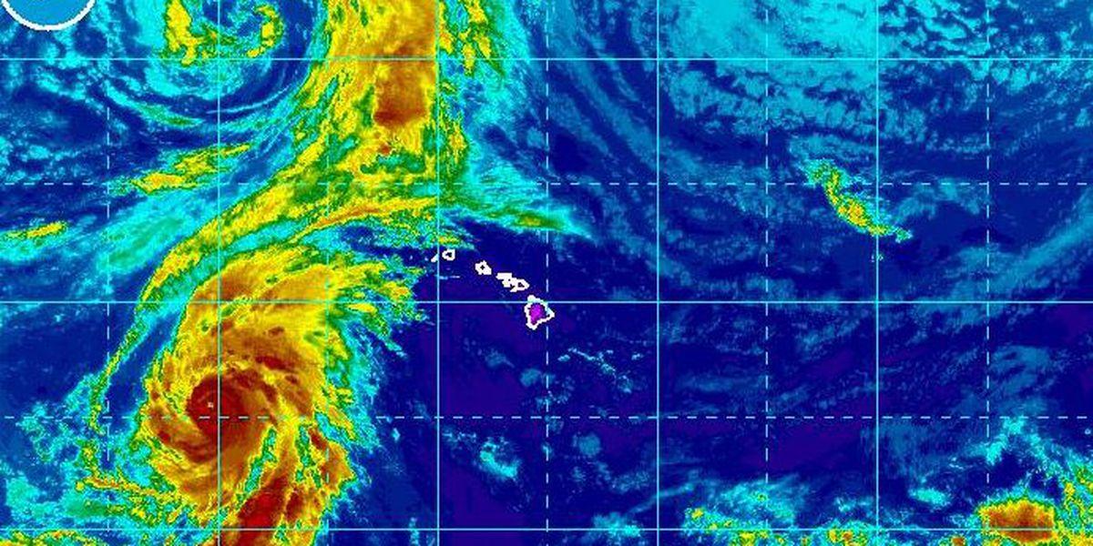 Walaka racing toward Papahanaumokuakea Marine National Monument, still a Cat 4 hurricane