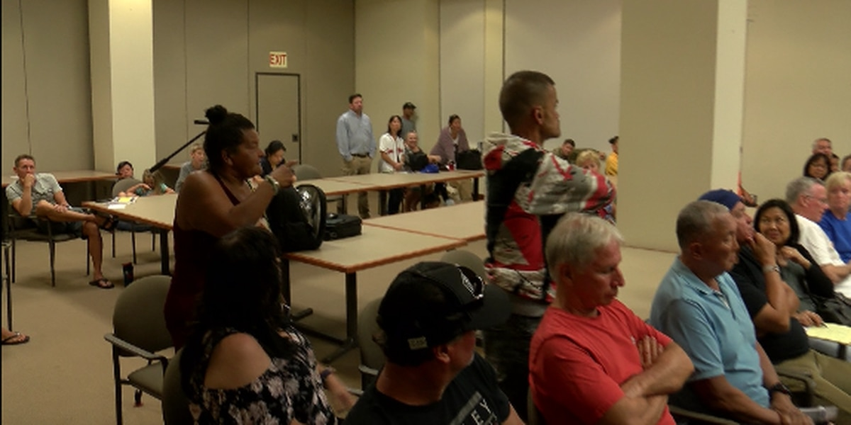 At heated meeting, residents clash over future of popular Ewa Beach park