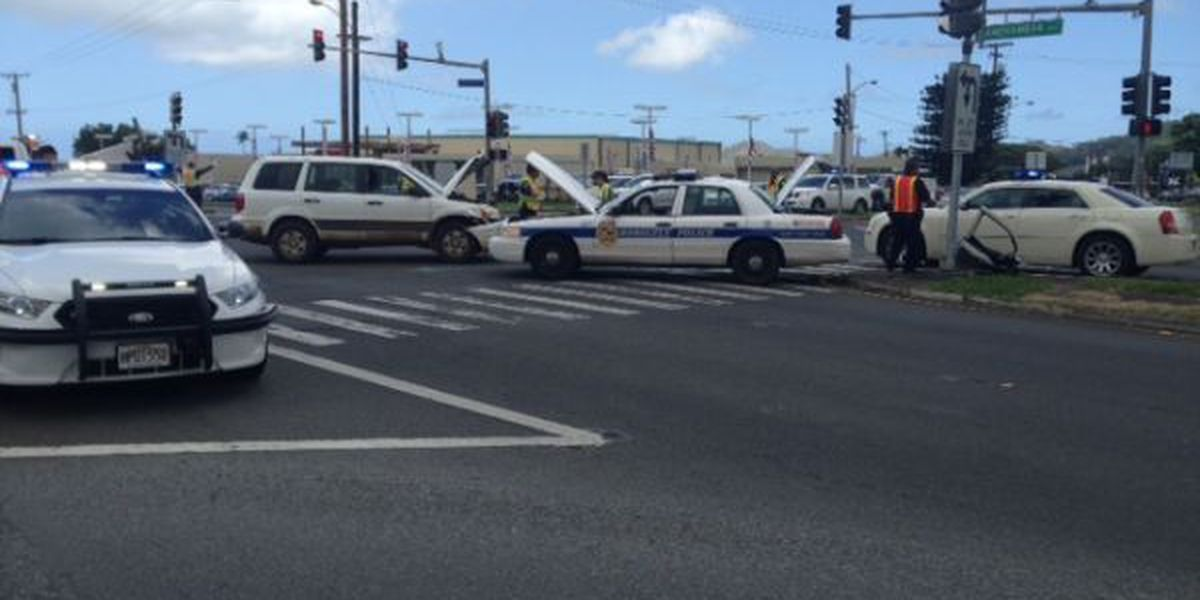 HPD officer pinned in vehicle following Kaneohe crash