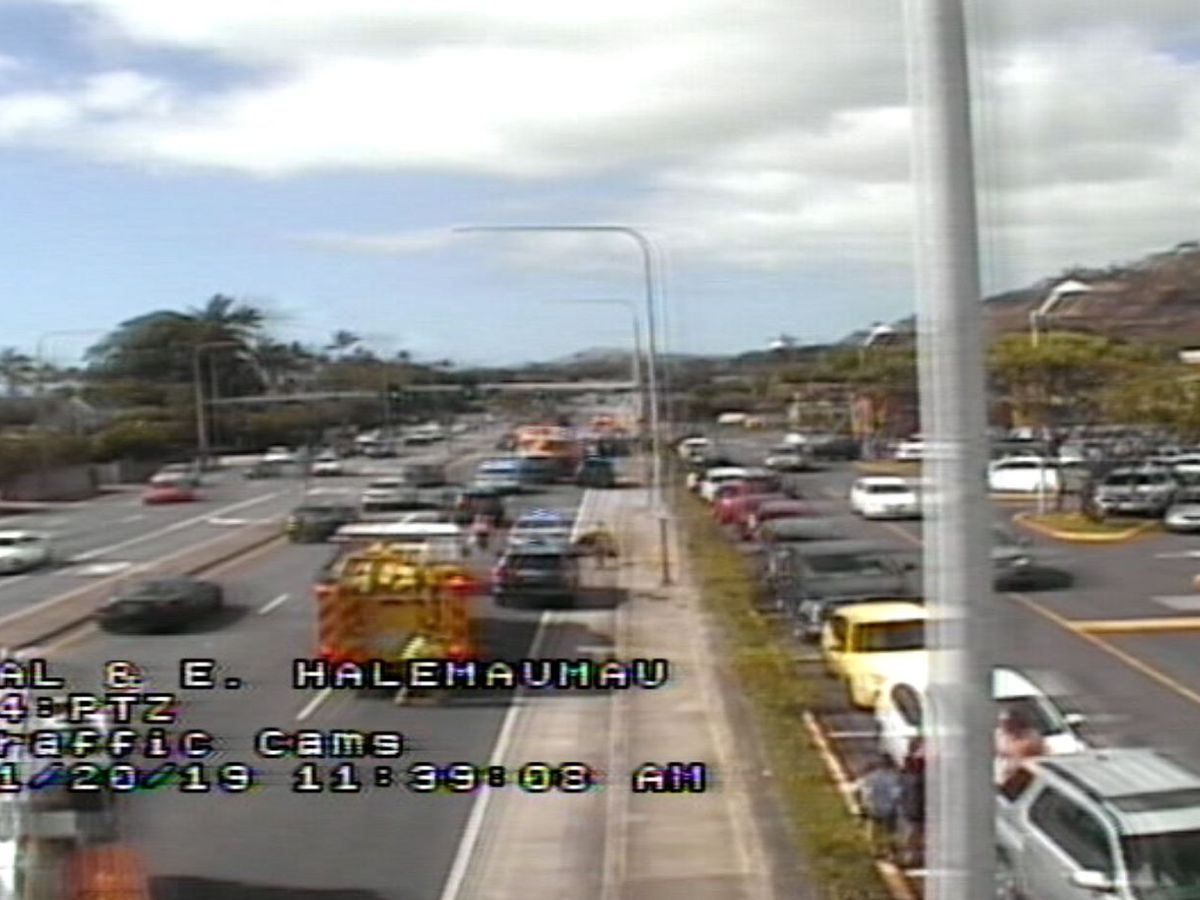 Police: Man, 74, dies in multiple-vehicle crash on Kalanianaole Highway