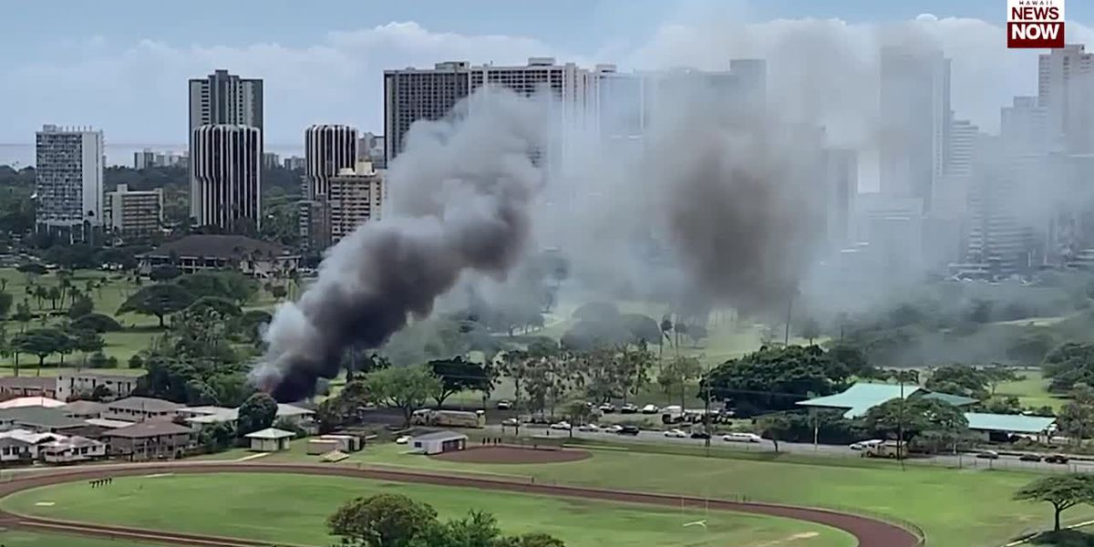 Firefighters respond to fully-involved house fire near Kaimuki High School
