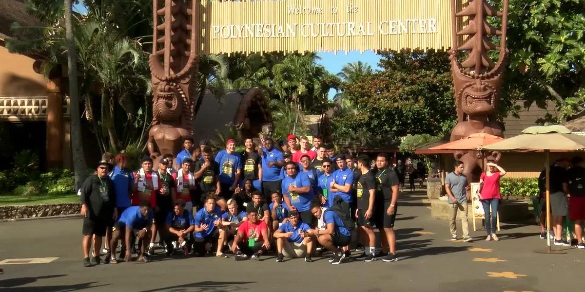 2019 Polynesian Bowl players and coaches tour the Polynesian Cultural Center