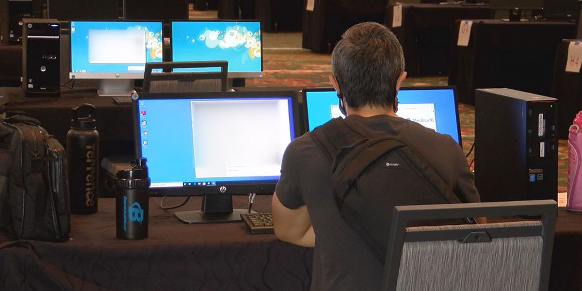 Unemployment office changes call center hours while new issues delay payments