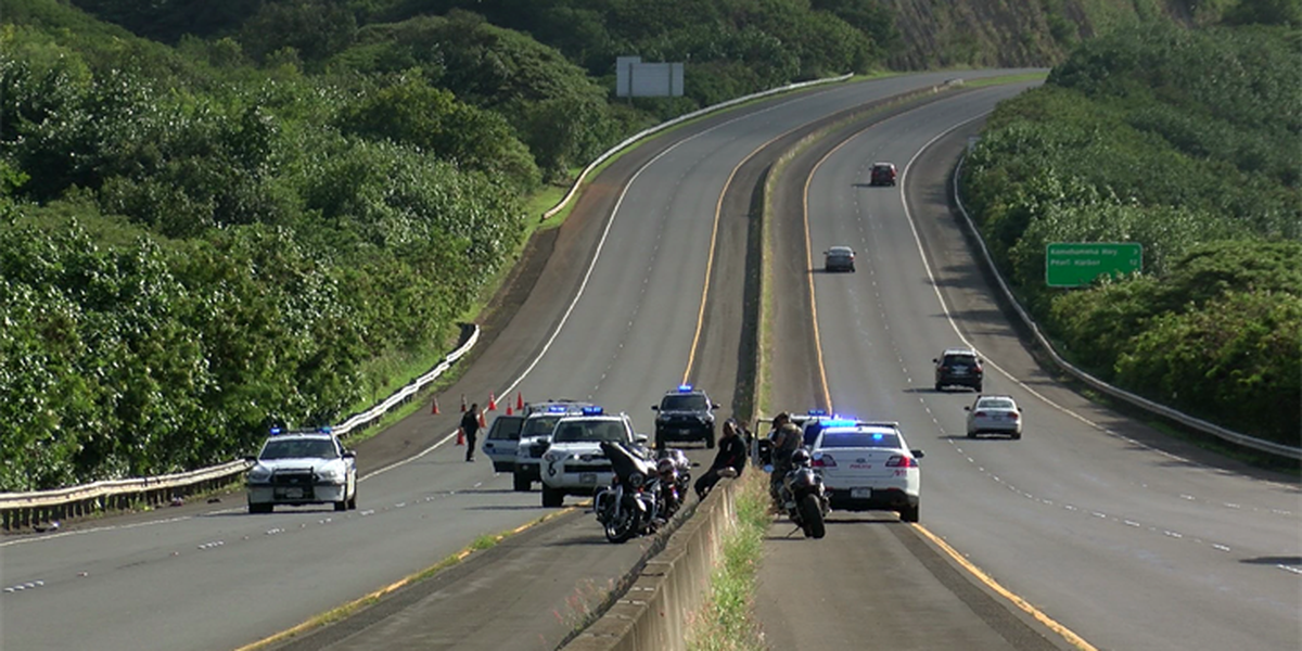 Motorcycle crash on the H-3 leaves man in critical condition