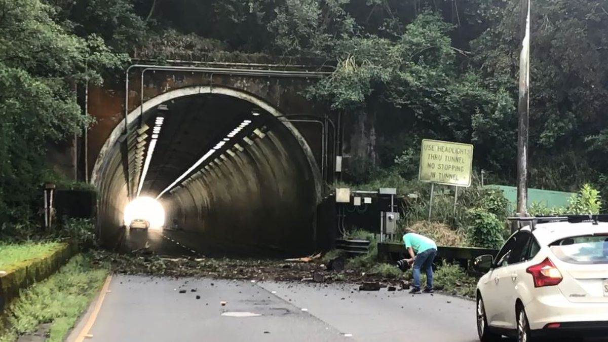 Pali Highway remains shut down as crews continue clearing landslides
