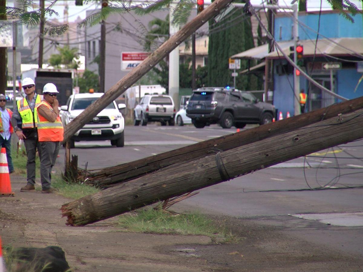 Dump truck brings down 4 utility poles, closing Dillingham Blvd.