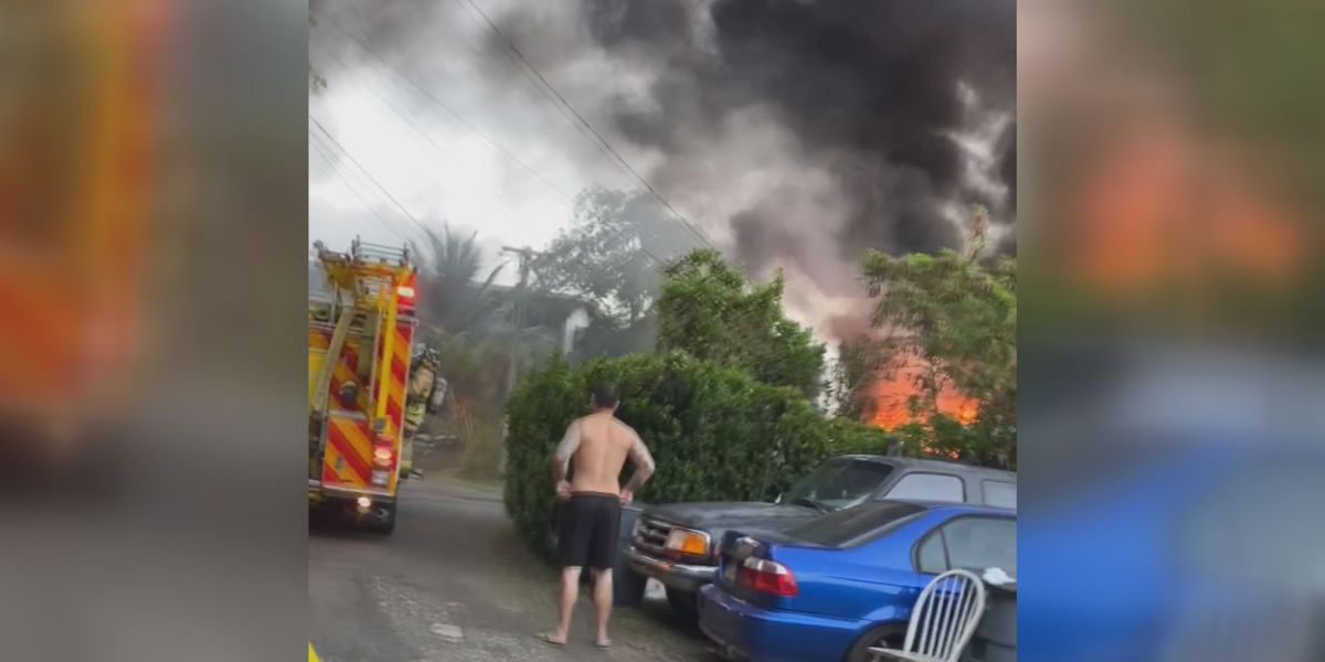 Firefighters extinguish raging, 2-alarm house fire in Kaneohe