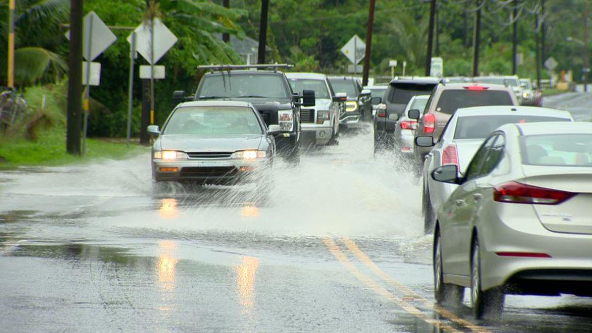 Flash flood warning issued for Kauai; Hanalei Bridge closed