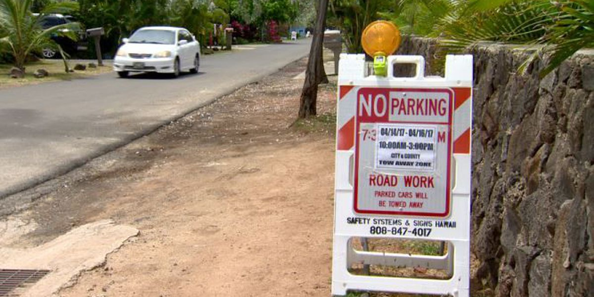 Officers out in force in Lanikai to ticket special parking rules violators