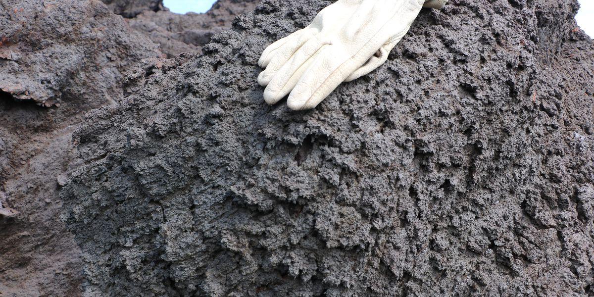 Geologists warn of dangers of 'toothpaste lava' on Big Island