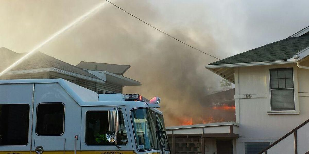10 people displaced, 1 firefighter injured in McCully fire