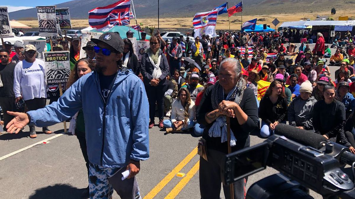 PHOTOS: No end in sight to conflict over Mauna Kea