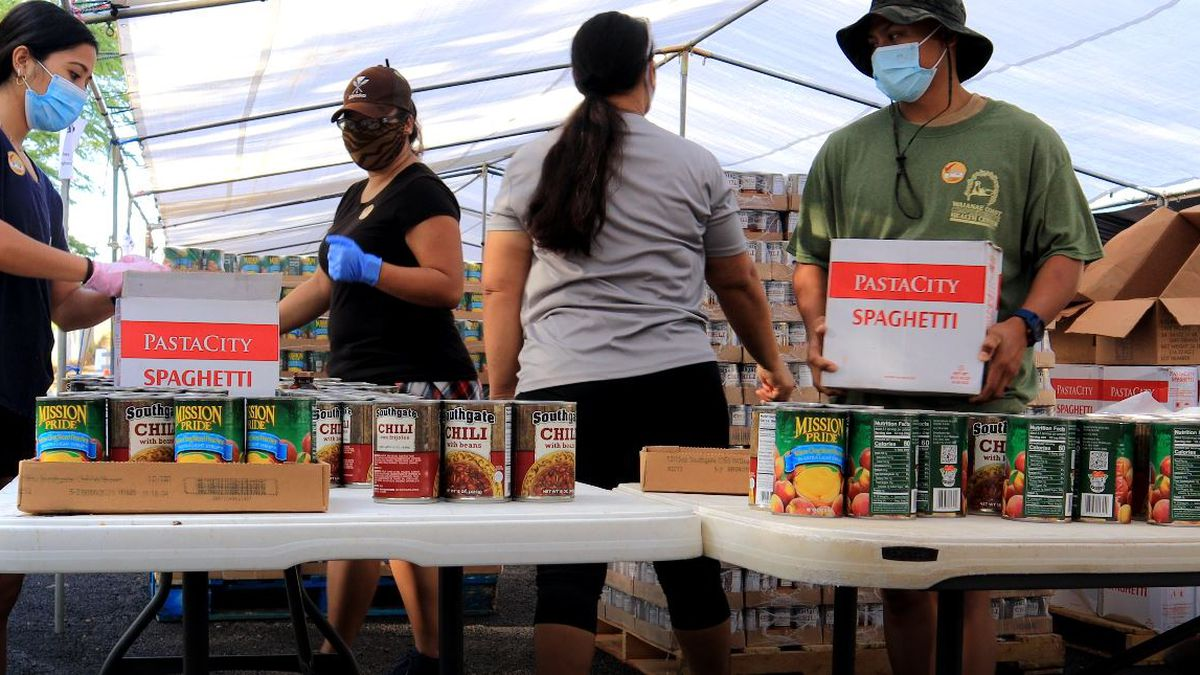 West side health center reaches 1 million pounds of food given out