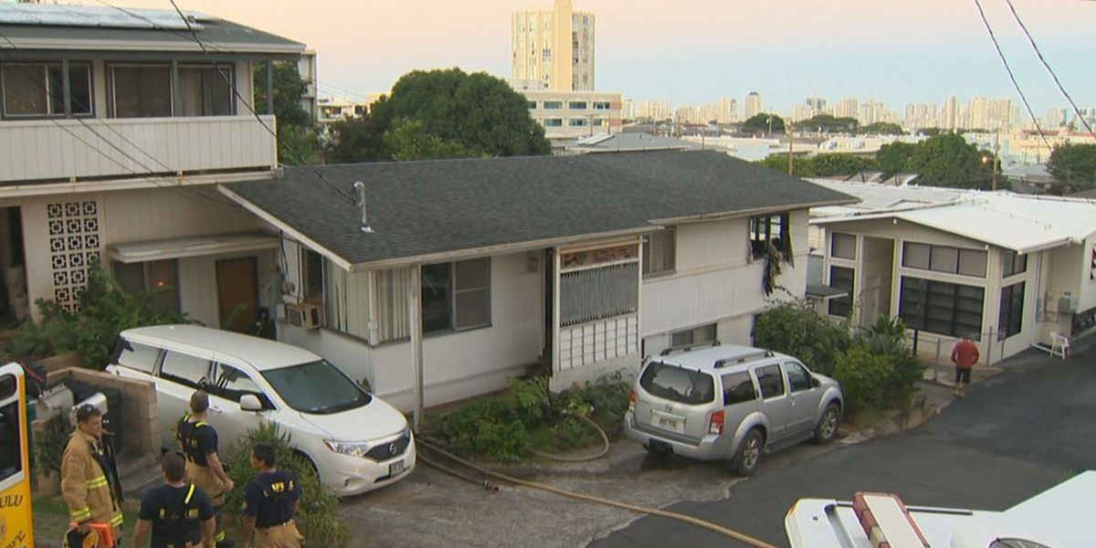 Family of 10 forced to evacuate Kaimuki home after fire breaks out