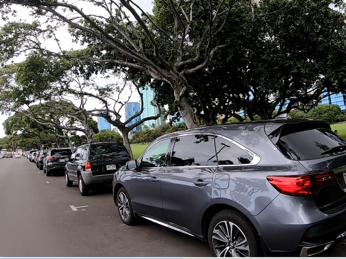 After long-awaited makeover, Magic Island parking lot reopened to the public