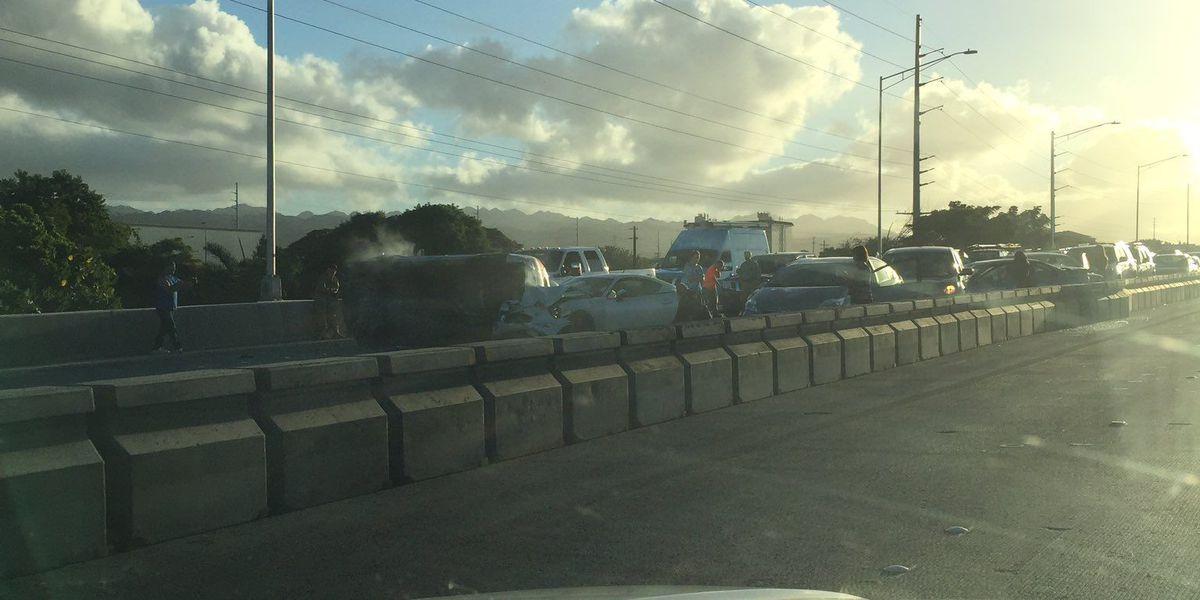 Chain reaction crash spurs morning gridlock on H-1 Freeway