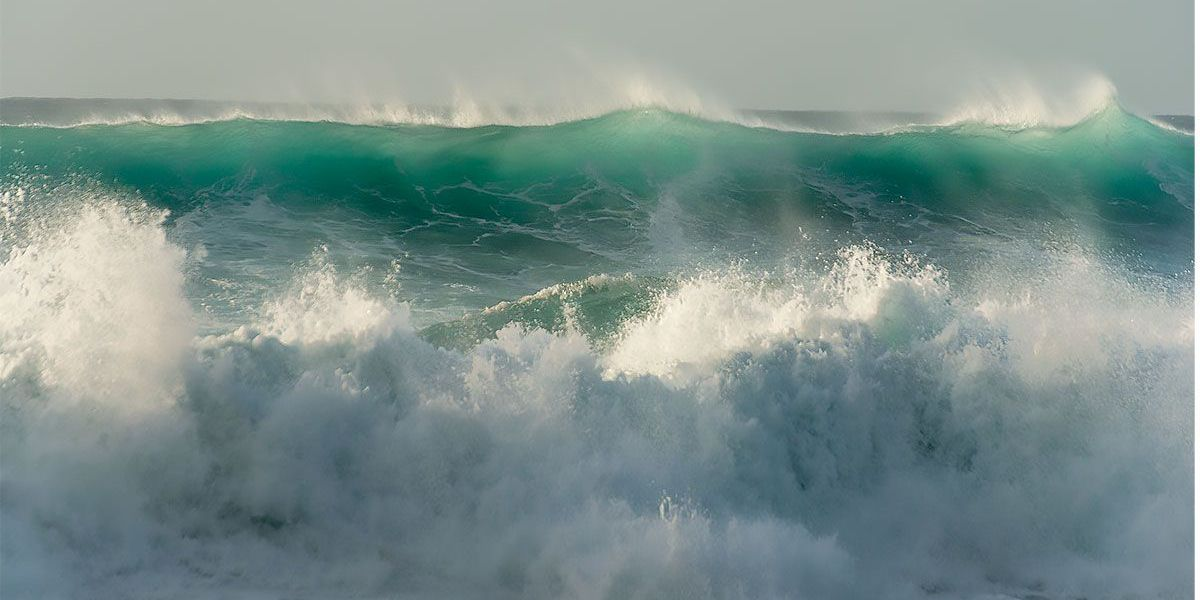 13 rescued from big surf off Oahu; High Surf Warning remains up