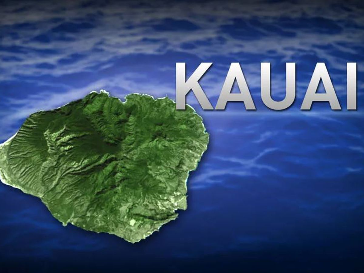 Woman medevaced to Oahu with serious injuries after Kauai crash
