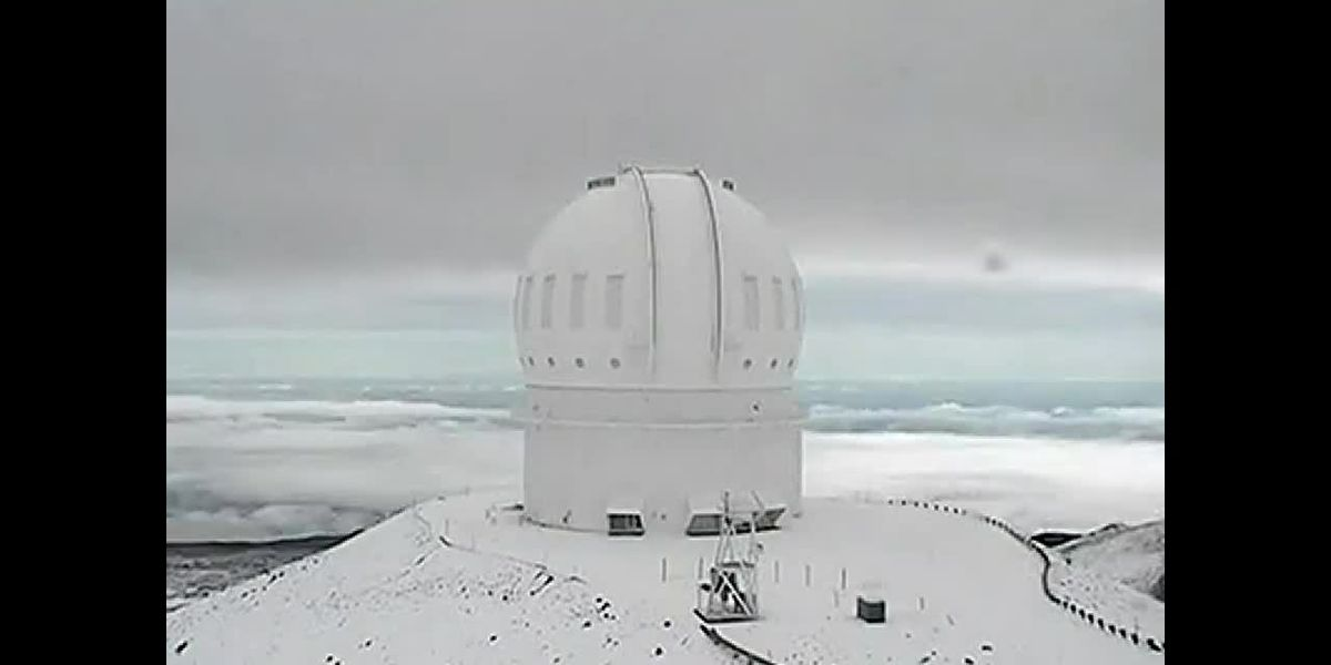 Mauna Kea Snow on Sun. Nov. 18 - clipped version