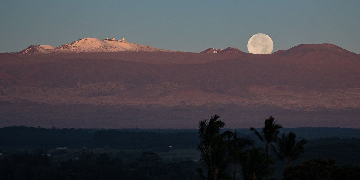 The 'biggest and brightest' supermoon of the year illuminates Hawaii