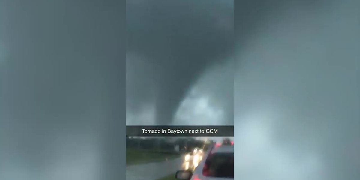Imelda: Tornado in Baytown, Texas caught on camera (no sound)