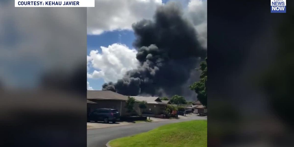Blaze on agricultural lot in Mililani sends thick smoke into the air