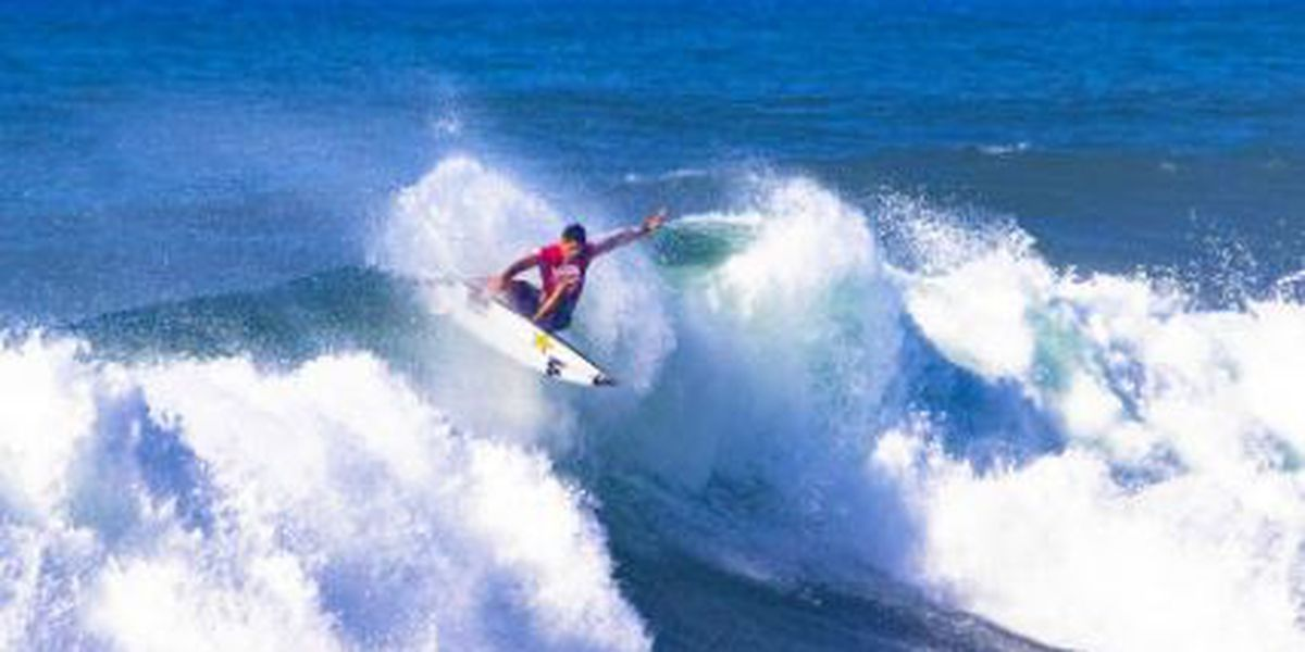 f521c08a04 Hawaii s Lau wins Vans World Cup of Surfing