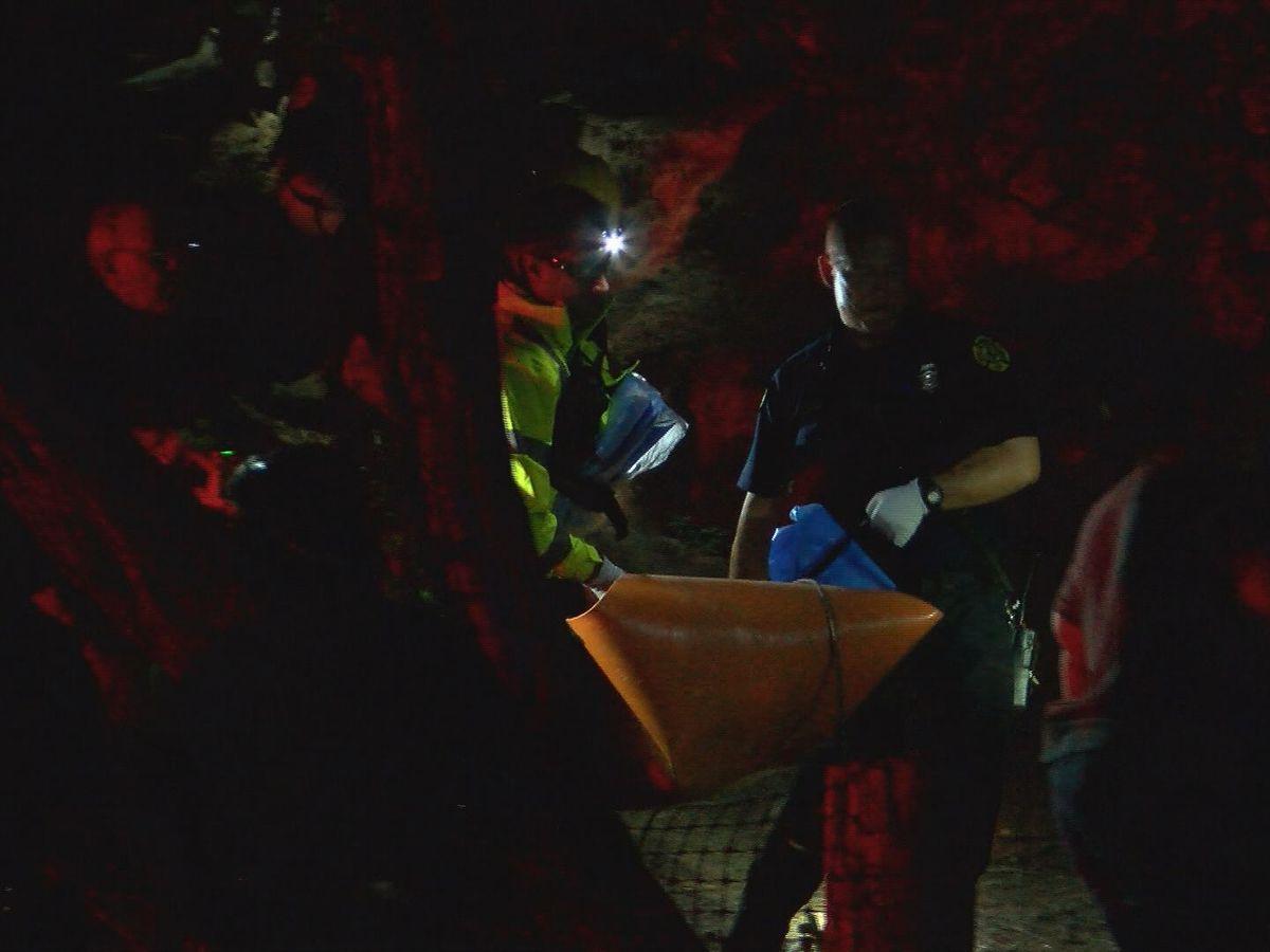 HPD officers find body on Diamond Head hillside
