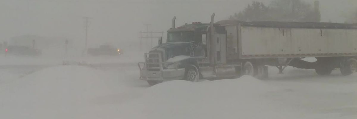 Video: Snowy conditions in Kansas