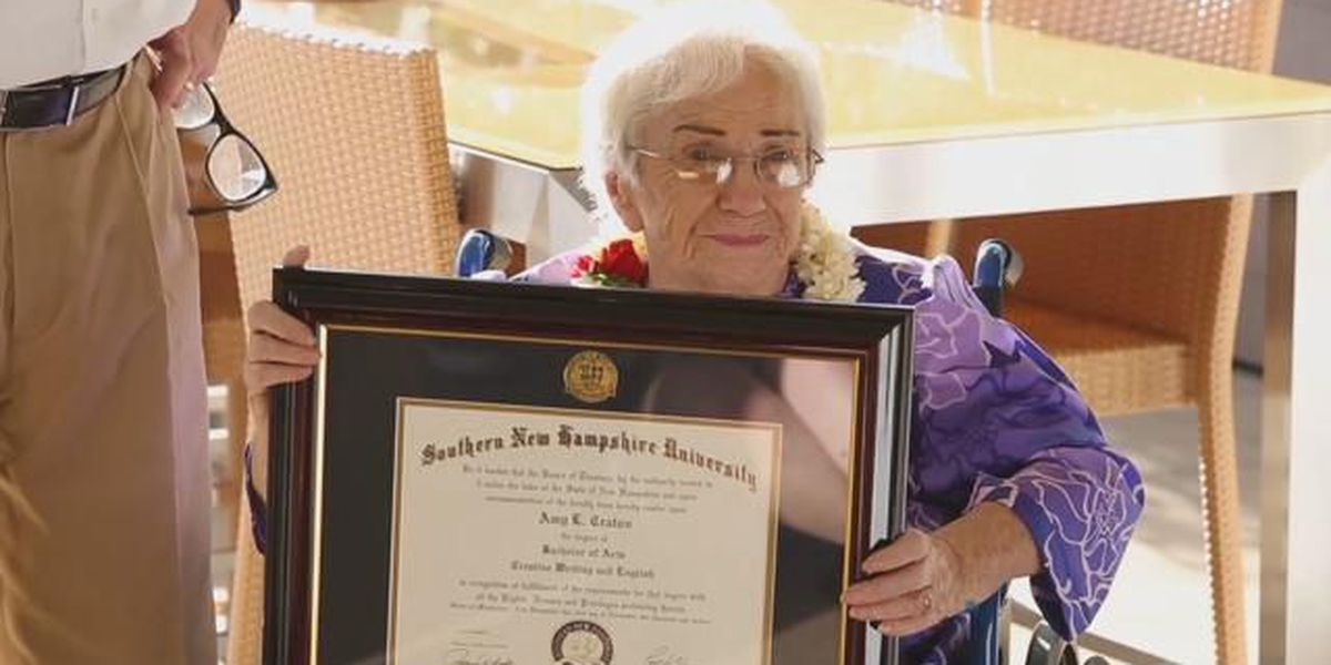 94-year-old Hawaii woman graduates from college with 4.0 GPA