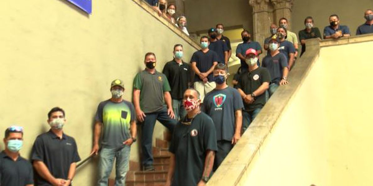 Firefighters take their battle over a new rescue unit to Honolulu Hale